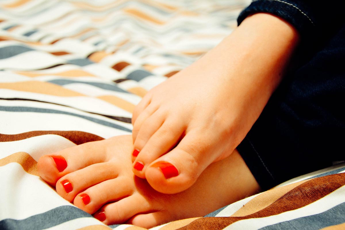 How to make your Feet Skinnier